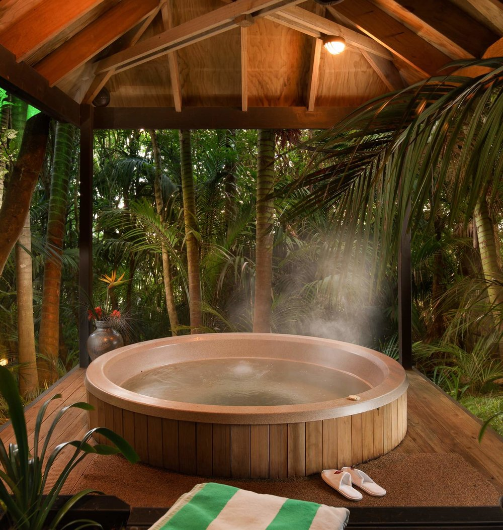 luxury retreats nz jacuzzi