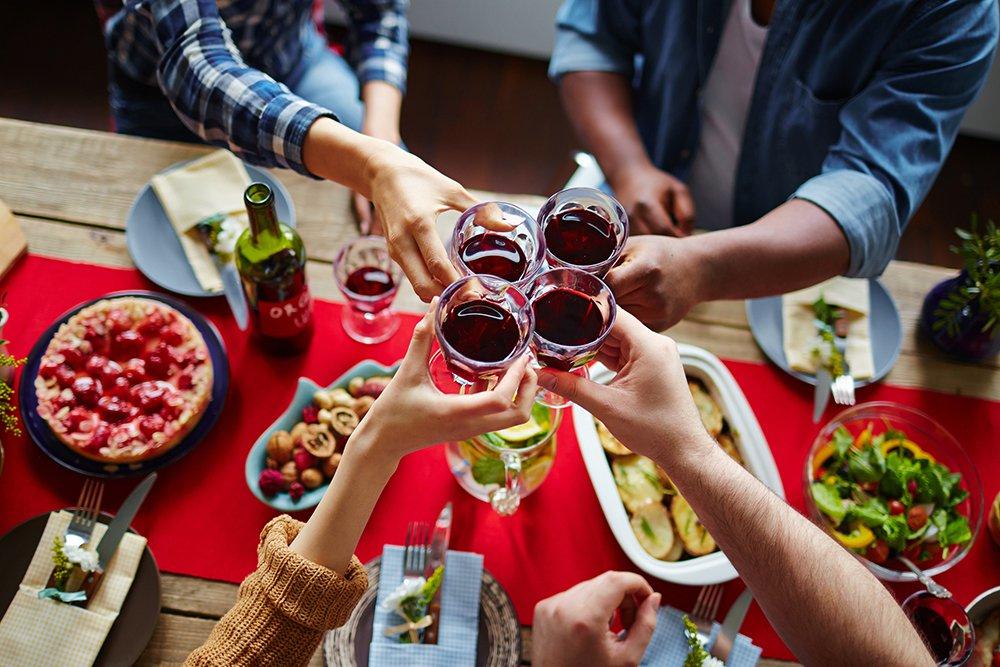 People-toasting-wine-at-dinner.jpg