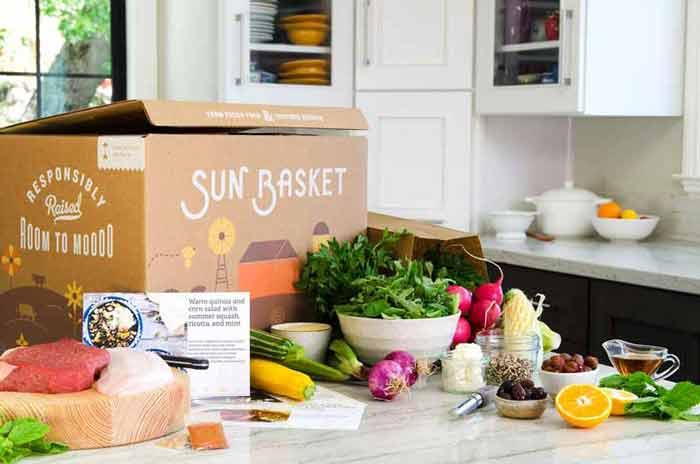 sun-basket-box-in-kitchen-.jpg