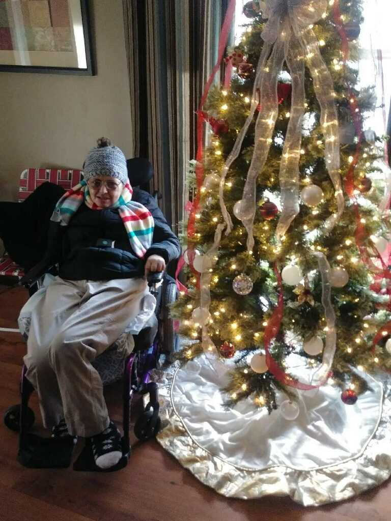 This year's winner of the Christmas Tree, Rhonda Huddelston!