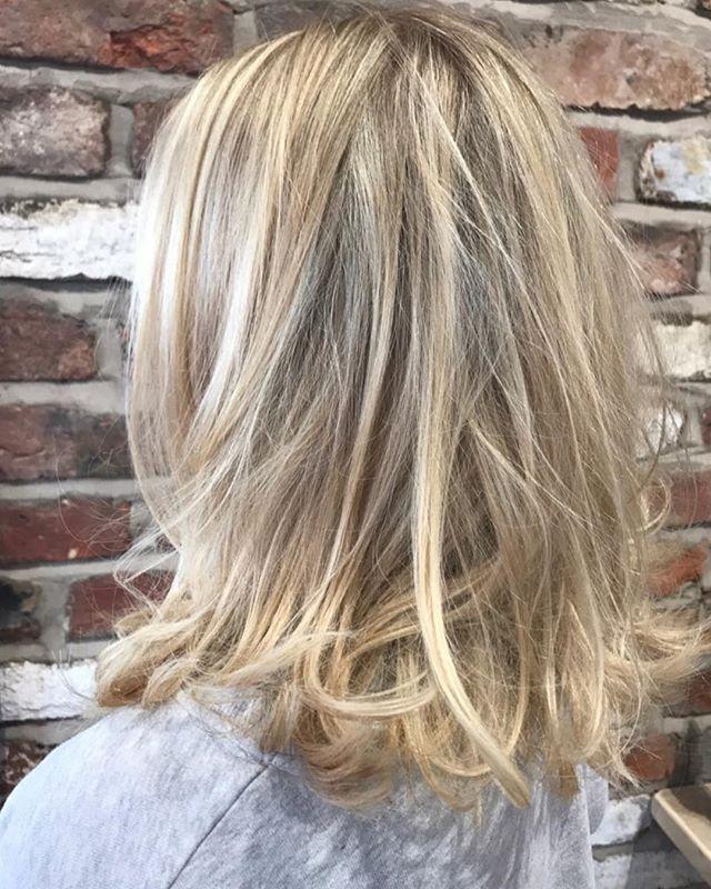 Boss man and his messy medium length haircut 🤪🤪🤪 ☎️ 01612229009 www.thefunkyrouge.pink  #messyhair #messyhairdontcare #haircut #hairfashion #blondehair #trendy hair #hairstyles #hairdresser #hairdressermagic #coolhair #funky #altrincham