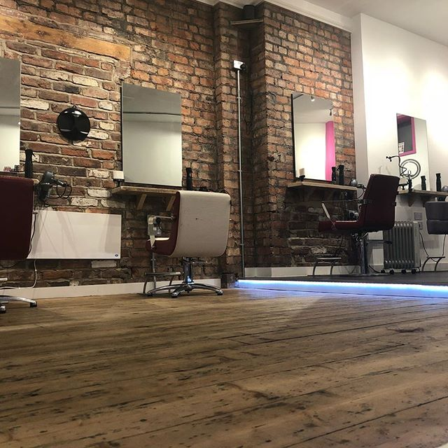 Pretty cool salon isn't it 😜 ☎️ 01612229009 www.thefunkyrouge.pink  #hairsalon #hairdresserslife #hairdresser #hair #wherethemagichappens #wecreate #haircut #haircolor #trendyhair #coolhair #funky #altrincham
