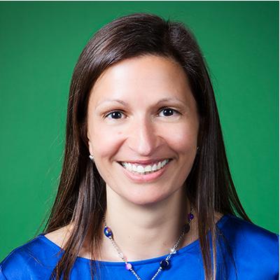 <b>LEELA SRINIVASAN</b><br>CMO | SurveyMonkey