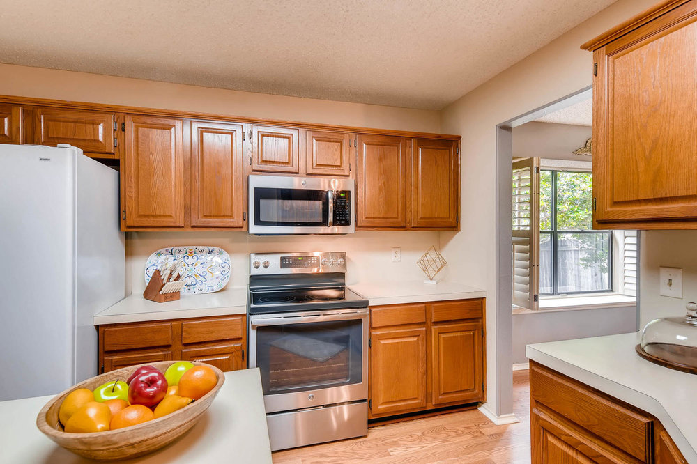 11313 Stormy Ridge Rd Austin-large-018-10-Kitchen-1500x1000-72dpi.jpg
