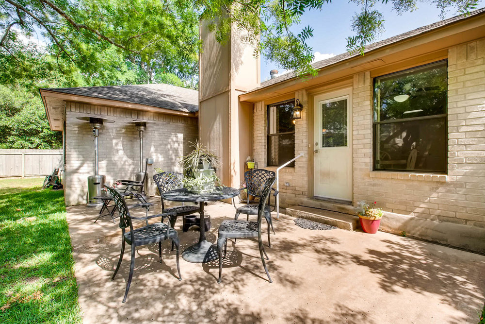11313 Stormy Ridge Rd Austin-large-034-35-Patio-1500x1000-72dpi.jpg