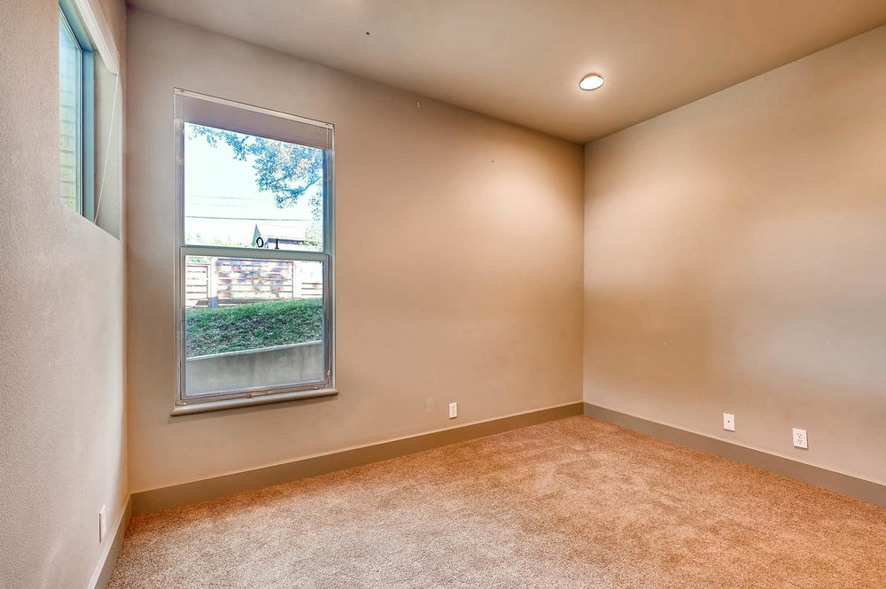 1100 Upland Austin TX 78741-large-022-32-Bedroom-1500x998-72dpi.jpg