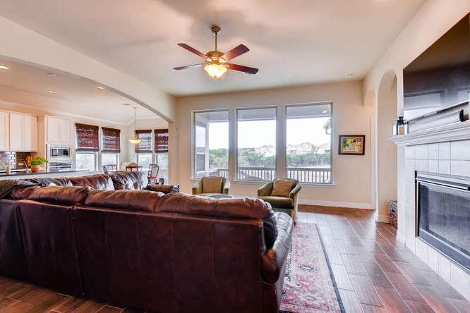 8507 Evelina Trai Austin TX-small-007-13-Living Room-666x444-72dpi.jpg