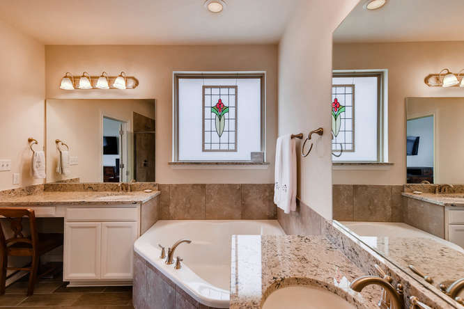 8507 Evelina Trai Austin TX-small-015-25-Master Bathroom-666x444-72dpi.jpg