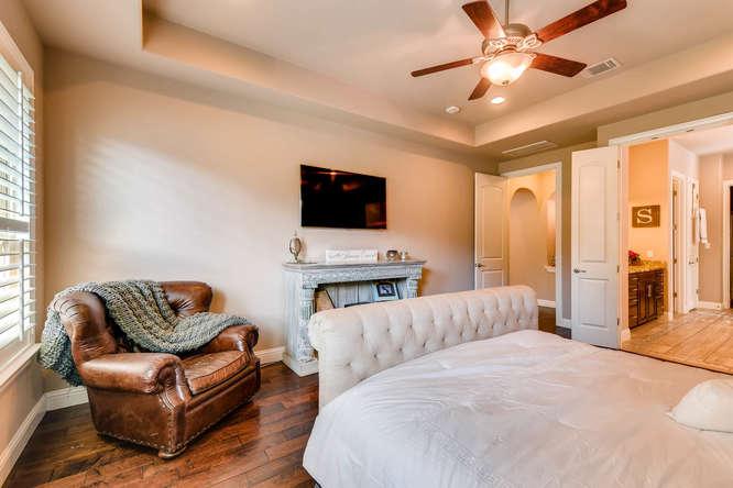 8725 Whispering Trail Austin-small-016-17-Master Bedroom-666x444-72dpi.jpg