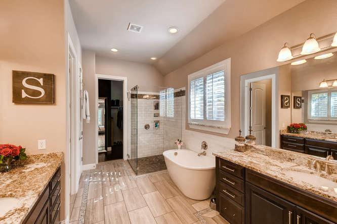 8725 Whispering Trail Austin-small-017-20-Master Bathroom-666x444-72dpi.jpg