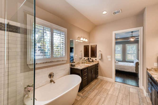 8725 Whispering Trail Austin-small-018-11-Master Bathroom-666x444-72dpi.jpg