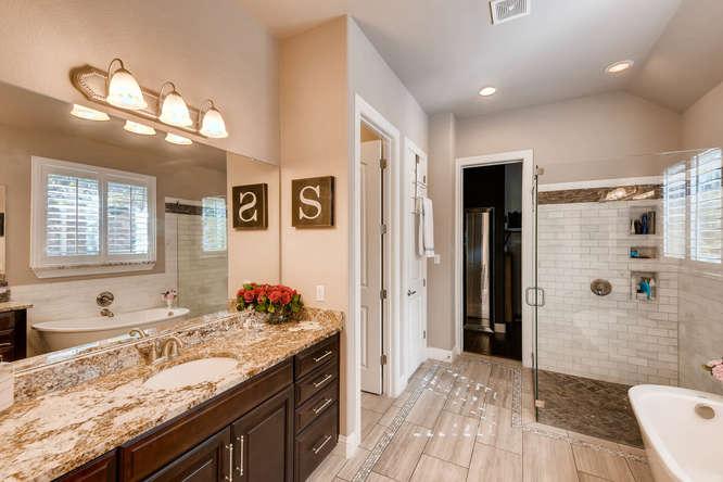 8725 Whispering Trail Austin-small-019-15-Master Bathroom-666x444-72dpi.jpg
