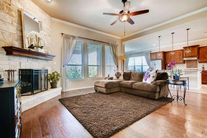 380 Torrington Drive-small-005-29-Living Room-666x444-72dpi.jpg