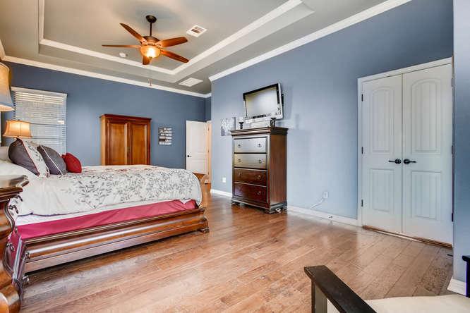 380 Torrington Drive-small-017-19-Master Bedroom-666x444-72dpi.jpg