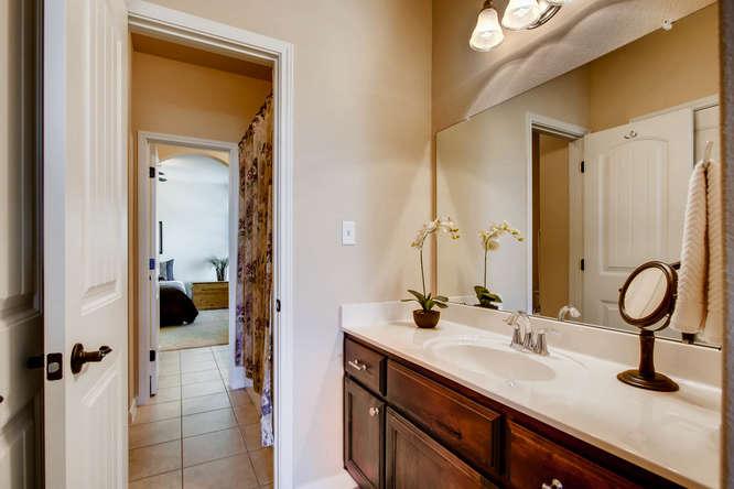 380 Torrington Drive-small-024-24-Jack and Jill Bathroom-666x444-72dpi.jpg