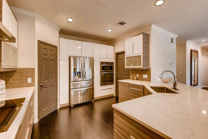 3305 Avenal Austin TX 78738-small-009-15-Kitchen-666x444-72dpi.jpg