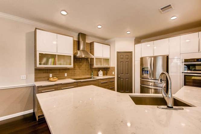 3305 Avenal Austin TX 78738-small-010-26-Kitchen-666x444-72dpi.jpg