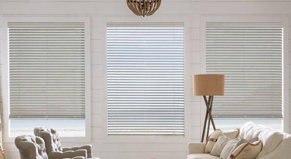 EVERWOOD®Alternative wood provides amazing performance. This smart alternative to wood blinds has classic good looks that don't age. In realistic TruGrain® finishes or a large selection of solid colours, and with operating and decorative upgrades available. -