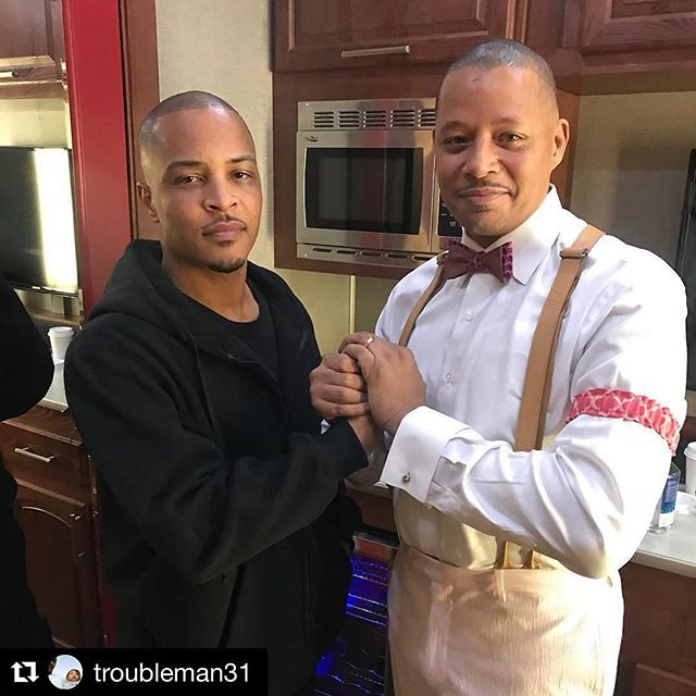 That's Terrence Howard rocking my tie mayne! Can't wait to see it in RZA's new film #CutThroatCity #terrencehoward #TI #bowtie #dapper #neworleans