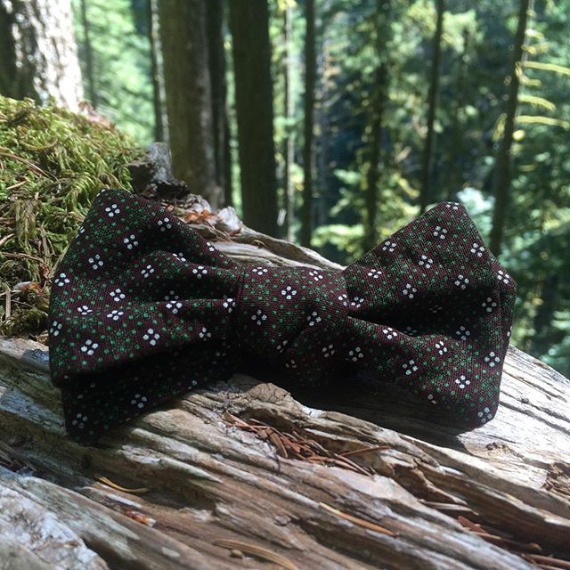 This weekend is Renegade Craft Fair in Portland! Stop by the Bow Shoeshoe booth and take home a little piece of Lesotho. #bowtie #necktie #renegadecraftfair #renegadeportland #RCFprocess #portland #portlandoregon #pdx #madeinLesotho #africantextile #southafricanfabric #shweshwe #shoeshoe #bowtiesarecool #handmadeties #dandy #welldressedmen #dapper