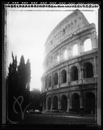 ChrystalNause_2007_ColosseoDiRoma_exterior_Rome_Italy.jpg