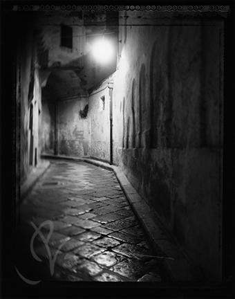 ChrystalNause_2008_PasseggiareSullaViaCoronato_GravinaInPuglia_Italy.jpg