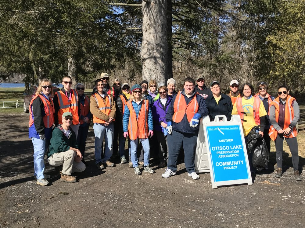Earth Day 2018: Clean up debris and trash along roadside