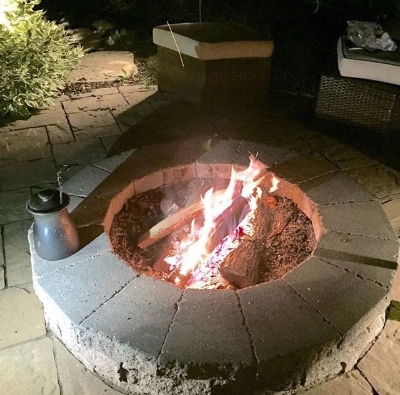 Fire pit envy.  It's so easy.