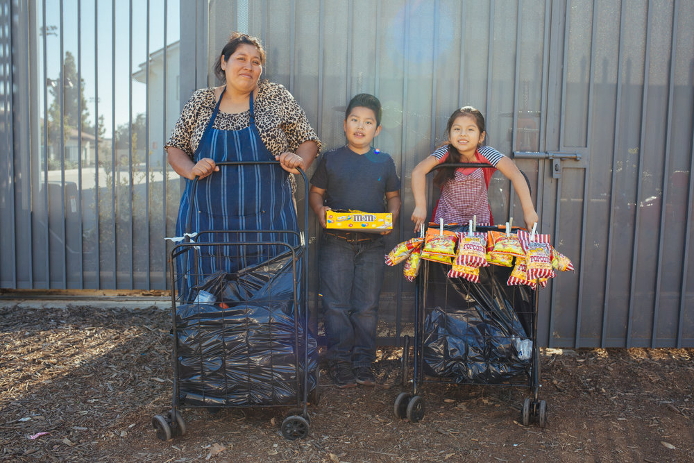 Family vending in East L.A. 2016