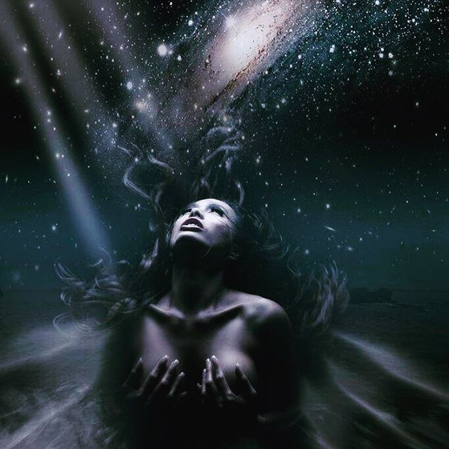 #nyx : goddess of the night. She birthed #eros, god of #desire, #oneiros, god of dreams and #erebus, god of darkness. Nyx is the original #shadowqueen. Mother of creation and destruction, pain and pleasure.