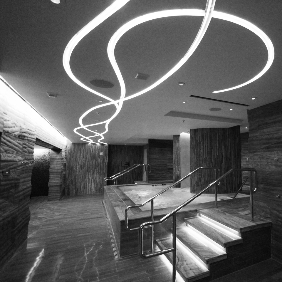 sahra spa cosmopolitan-bw-light.jpg
