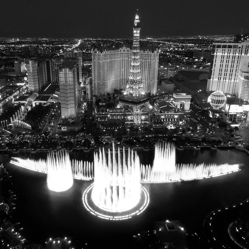 Bellagio-Fountain-bw.jpg