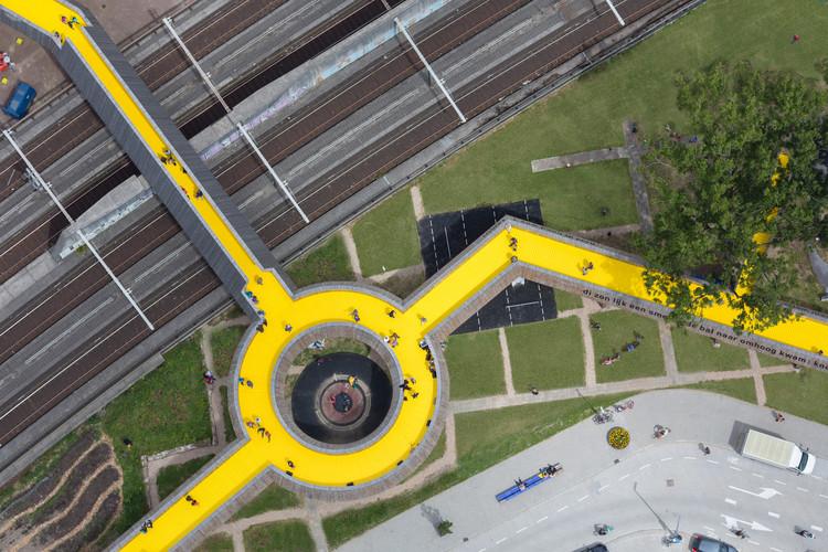portada_1_Luchtsingel_Top_Roundabout_ZUS_©_Ossip_van_Duivenbode.jpg