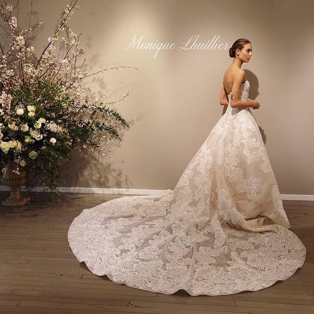 Spring Bridal Market 💕 @moniquelhuillierbride always pleasing my eyes 😍 . . . #bridalmarketnyc #bridalmarket2019 #weddingplanninglife #thateventlife #moniquelhuillier #moniquelhuillierbride #bridalgown #bridaldress #newyork #weddingplanning #melissafancy
