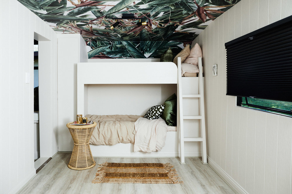 Bunk Beds, Wallpaper
