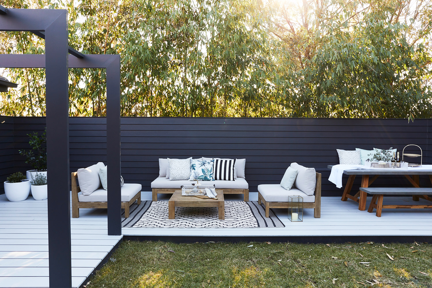 3 ESSENTIALS FOR THE ULTIMATE ALFRESCO OASIS