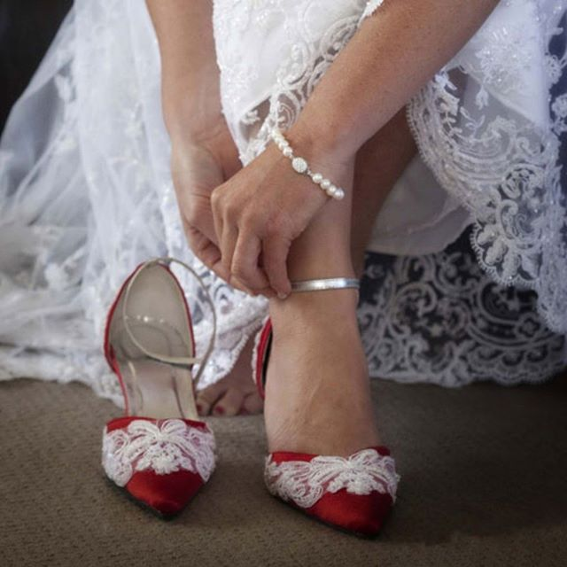 Red.... Loving these.. Spectacular!! Your thoughts?? #wedding #love #marlboroughcelebrant #jacquileslie #happy #weddingshoes #ceremony #redshoes