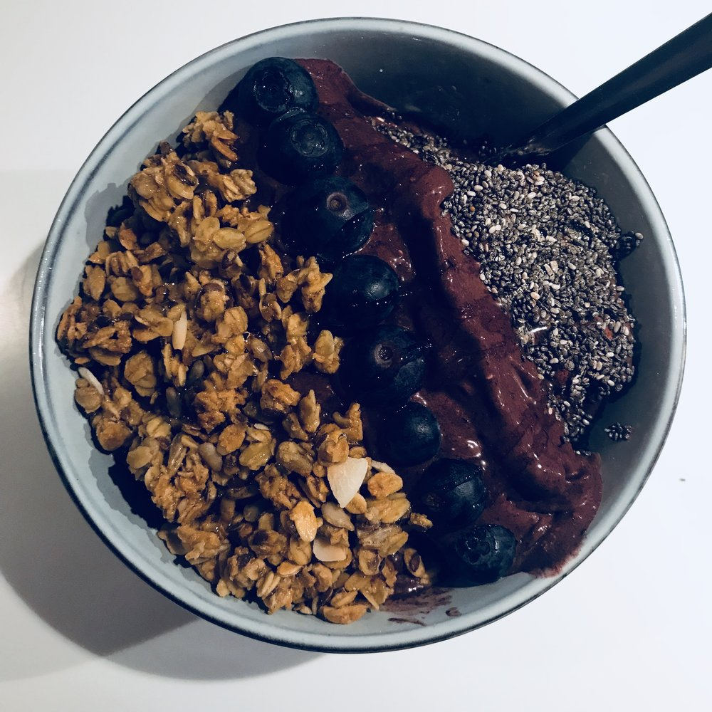smoothie-bowl-urban-essentials.jpg