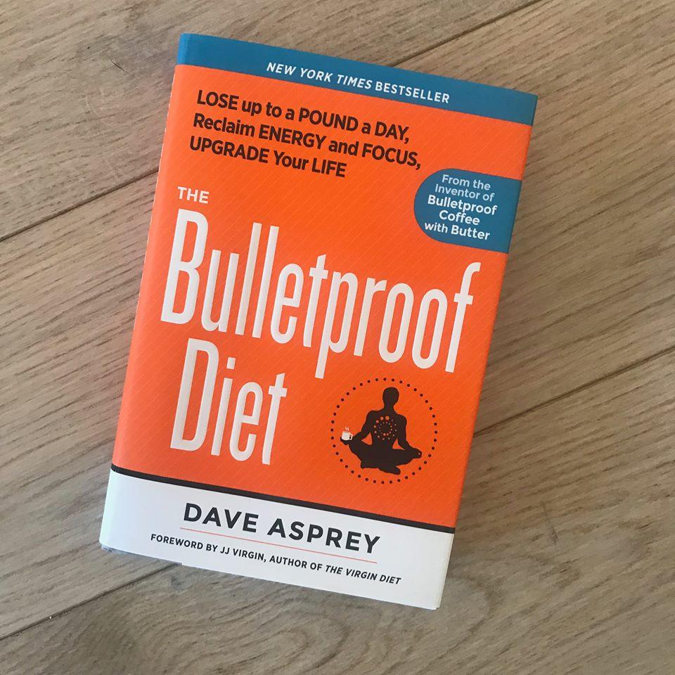 """Denne mannen, Dave Asprey - han er rå! Han gikk fra å være sykelig overvektig med en rekke helseproblemer, til å biohacke seg selv til å bli en high-performance sprek mann med topp helse. Han er imponerende, inspirerende og har """"walked the walk""""."""