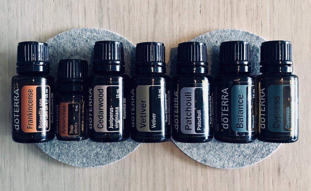 jordende-eteriske-oljer-frankincense-balance-vetiver-cedarwood
