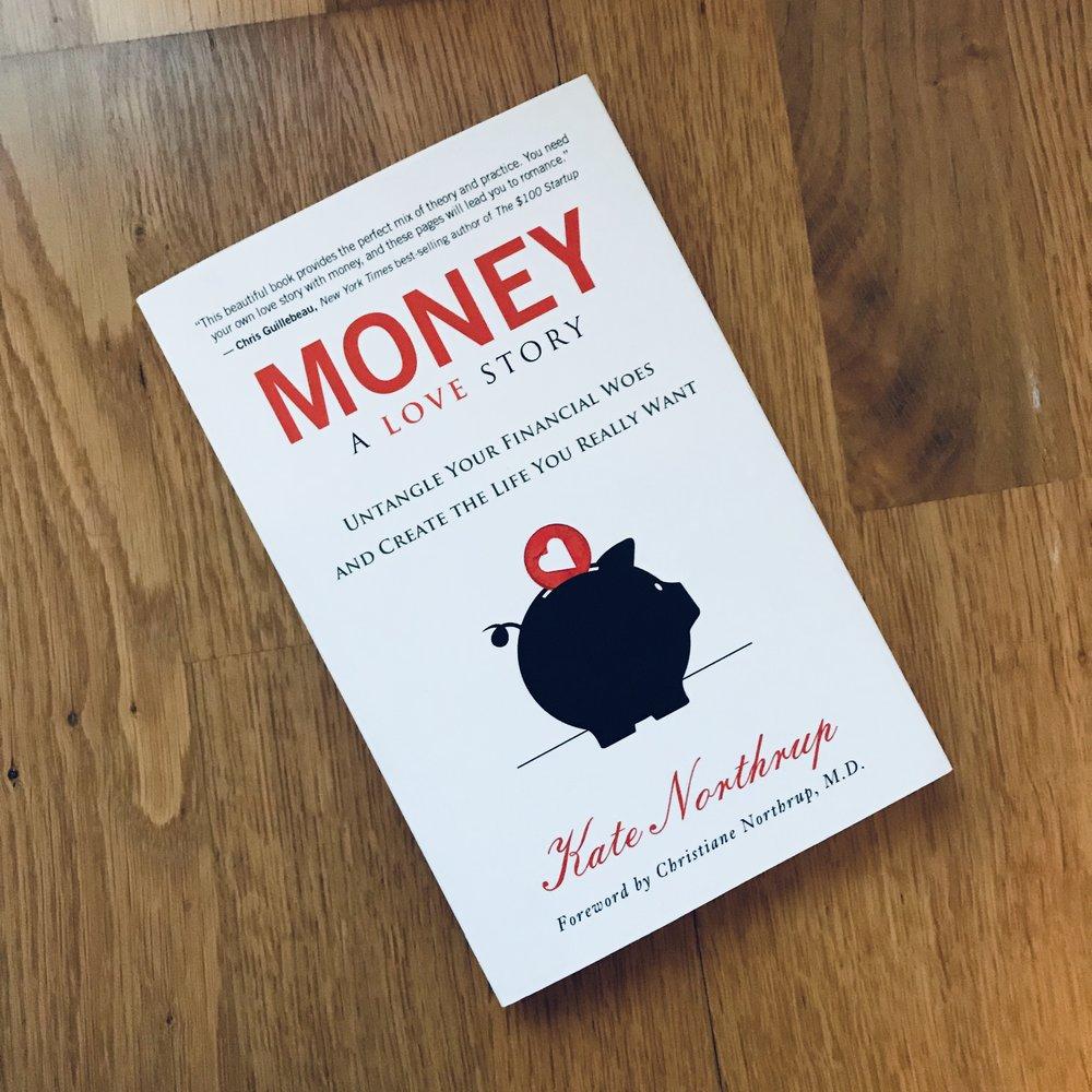 Er du en av dem som har fordommer mot å tjene mye penger? Som tenker at rike folk ikke er bra folk? At du ikke fortjener å ha god inntekt? Da er denne boken for deg!