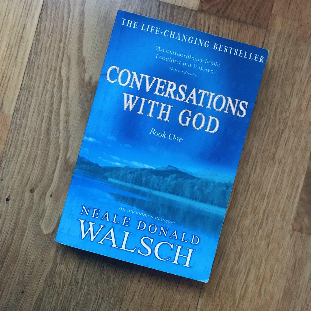 Første boken i en serie av fire bøker. Ikke la deg lure av tittelen, dette er selvutvikling og spirituell jobbing på sitt beste!
