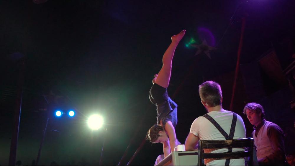 Acrobatengroep hirondelles - De actuele voorstellingen van acrobatengroep Hirondelles