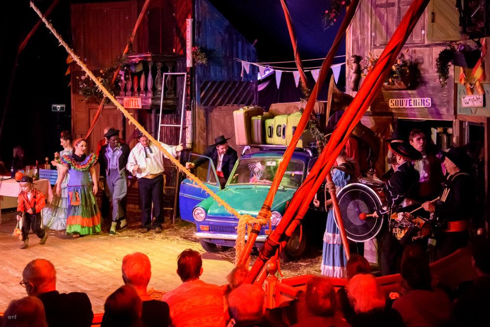 """circustheater zanzara - De nieuwe voorstelling; """"Flamo en la Pano"""""""