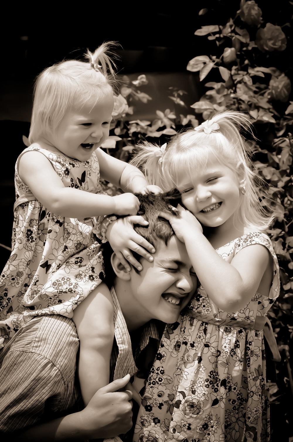 Super cute kids piggyback.jpg