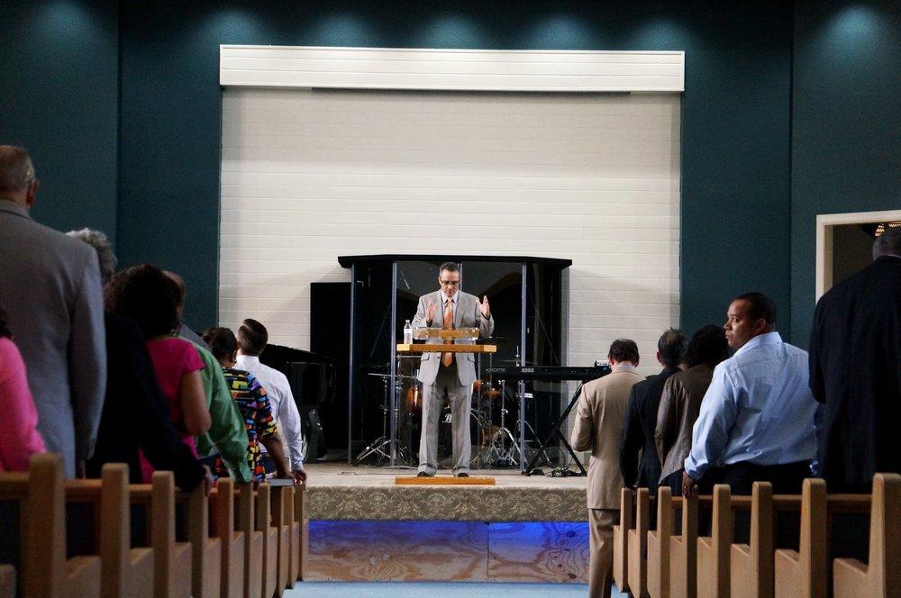 Opendoor - preaching.JPG