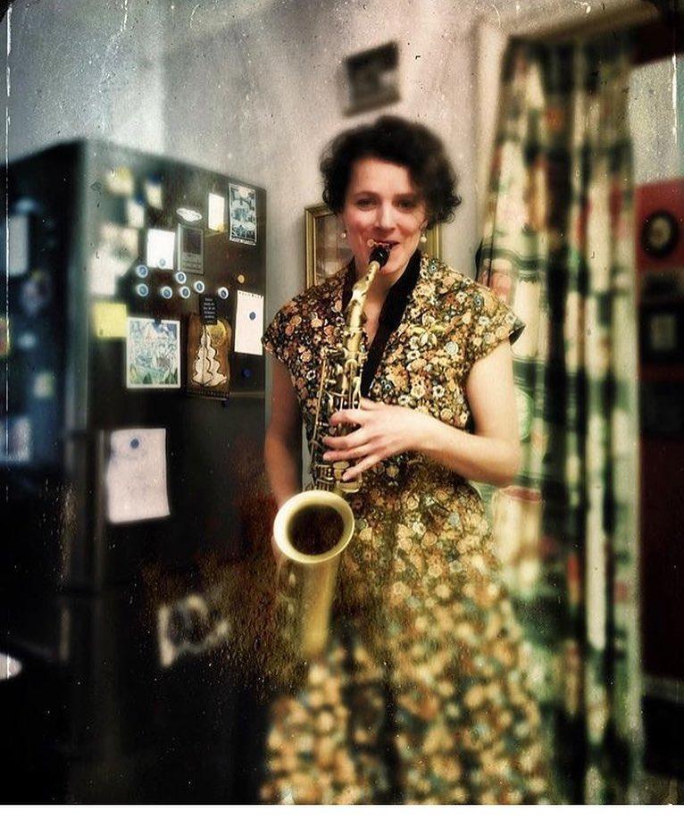 med saxofon.jpg