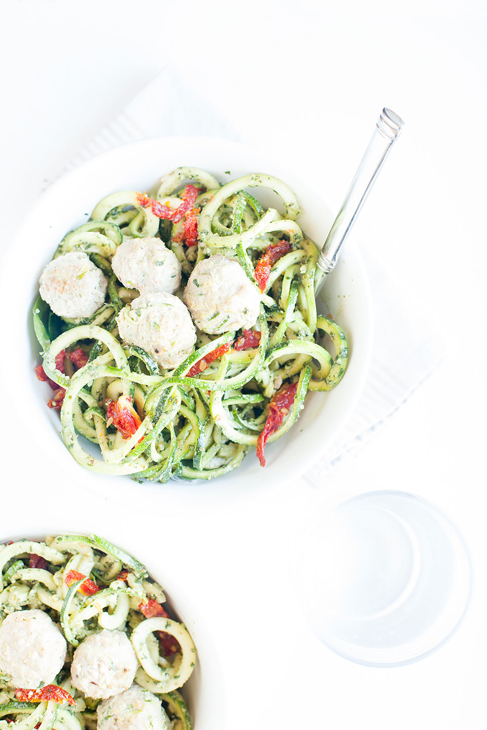 Pesto Zucchini Noodle Bowls with Sun-Dried Tomatoes | An Easy Gluten-Free and Paleo Recipe | Loveleaf Co.