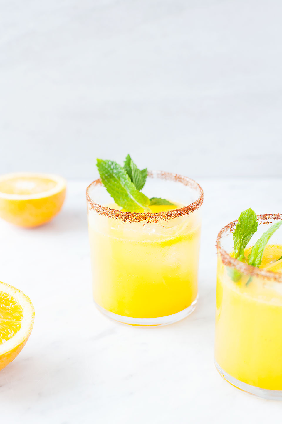 Sunshine Citrus Kombucha Margaritas | Healthy cocktail recipe. Gluten-free, paleo, vegan. | Loveleaf Co.