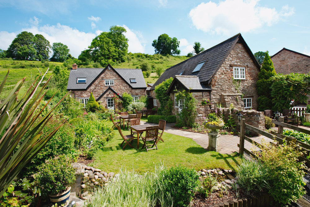 Tudor Farmhouse (1).jpg